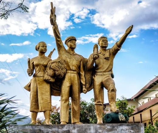 Vieng Xai Statue
