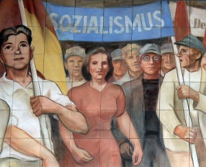 socialism-leipziger-strasse-mural